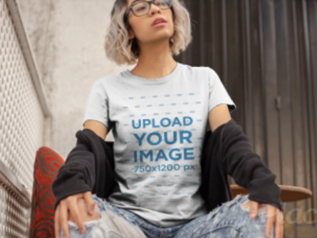 T-Shirt Video Featuring an Edgy Woman With Glasses 13022