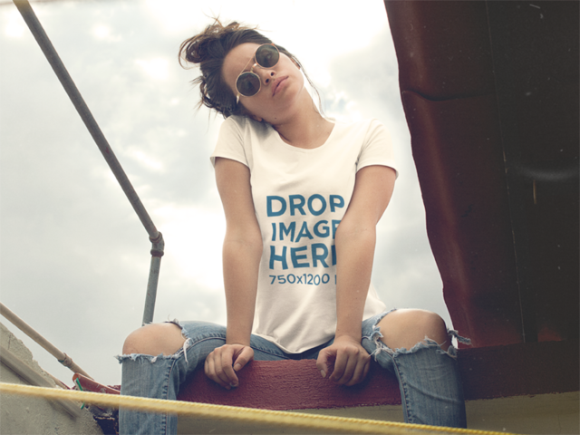 T-Shirt Mockup of a Trendy Woman Posing a11523