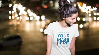Pretty Woman Walking in City at Night Wearing Round Neck T-Shirt Videoa13614
