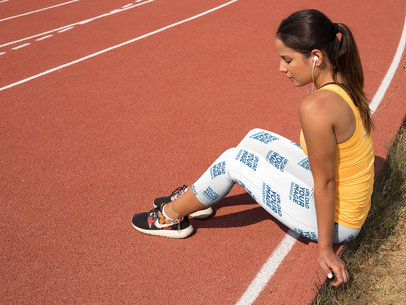 Mockup of a Girl Concentrating on a Running Track While Wearing Leggings a15326