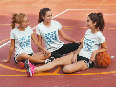 Clothing Mockup of a Group of Friends at a Basketball Court 8001a