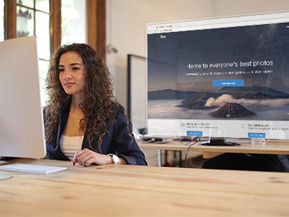 iMac App Demo Video Featuring a Beautiful Woman at Work 8877a