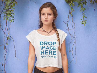 Lovely Beach Girl Wearing a Crop Tee Mockup a11577