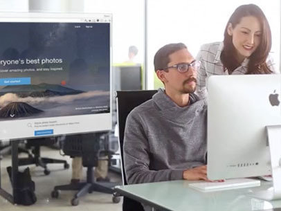 iMac Demo Video of Two Coworkers at an Office a8953