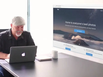 MacBook App Demo Video of an Elder Man at the Office a10001