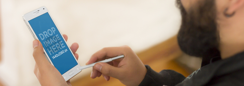 Android Mockup of a Designer Taking Notes With Stylus Pen a3810