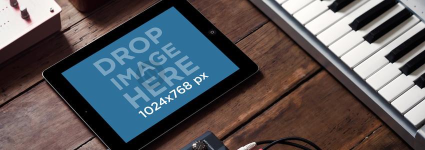 Apple iPad Black Landscape Keyboard Station Wide
